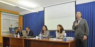 """Myriam Hernández inauguró la """"Semana de la Seguridad 2013, que organizó el IES Juan de Villanueva de Pola de Siero, el pasado 21 de octubre"""