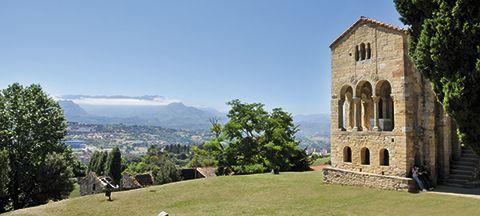 Iglesia prerrománica de Santa María del Naranco (Oviedo)