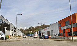Calle en el Polígono Industrial de Argame (Morcín)
