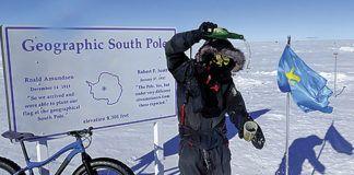 Juan Menéndez Granados en su expedición al Polo Sur en dos ruedas