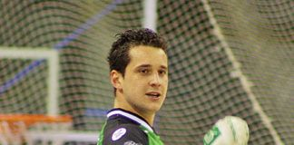 Toni Pérez, jugador profesional de hockey