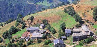 Brañas de Abajo. Pueblo abandonado en Cangas del Narcea.