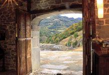 La Casona del Castañíu, en Serrapio (Aller)