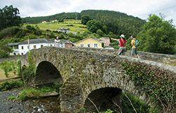 Puente medieval en Piantón