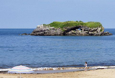 Playa de La Isla en Colunga
