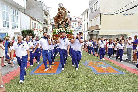 Alfombras florales y procesión del Carmen (Foz)
