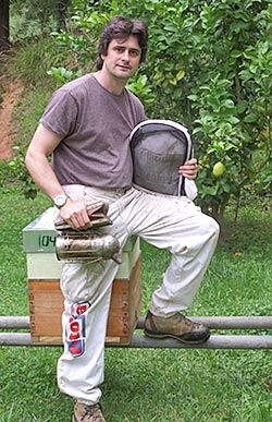 Carlos Marín Barcaiztegui. Veterinario de abejas