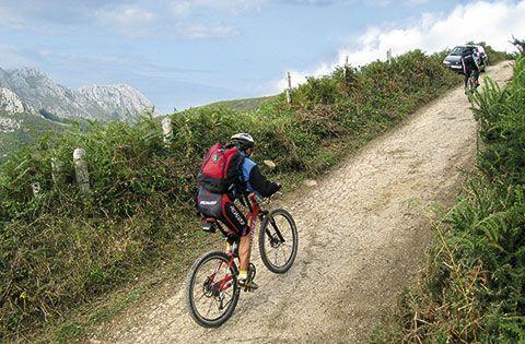 Ciclistas en la zona de la Madalena