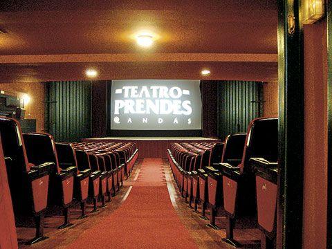 Interior del Teatro Prendes. Carreño