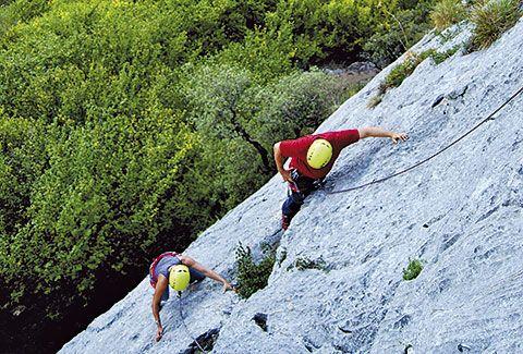 Escaladores en el Valle de Quirós