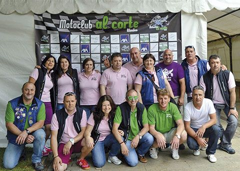 Integrantes de Moto Club Al Corte (Ribadeo)