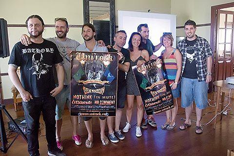 Miembros de Unirock durante la presentación del Festival 2015 en Puerto de Vega (Navia)