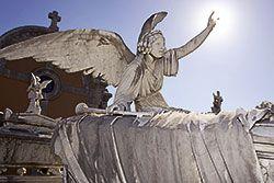 Escultura funeraria en el cementerio La Carriona. Avilés