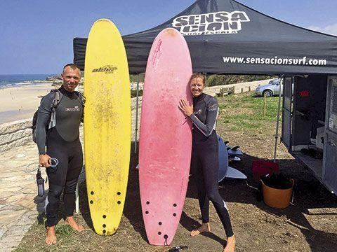 Instalación de Sensación Surf en la Playa de Lóngara, Barreiros (Lugo)