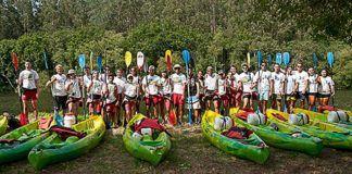 Grupo de Voluntarios en el Descenso a Nado de la Ría de Navia