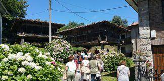 Visitando hórreos en Sietes (Villaviciosa)