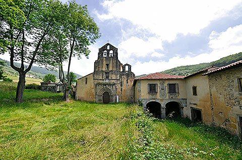 Monasterio de Santa María la Real, en Obona (Tineo)