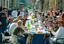 Comida en la Calle durante las Fiestas de El Bollo (Avilés)