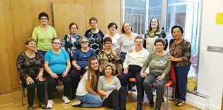 Integrantes de la Asociación de Mujeres Dulce Chacón en el taller de baile creativo