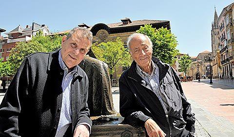 Manuel G. Claverol y Alberto Polledo, autores de la guía de Oviedo