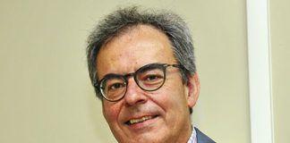 Oscar R. Buznego. Politólogo