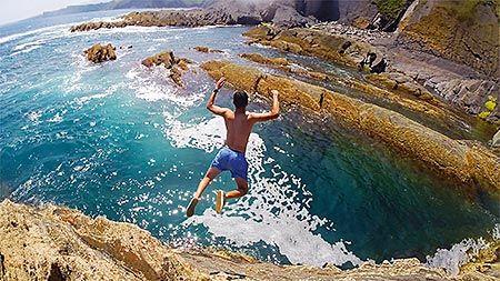 Saltando en Socampo (Ribadesella)