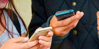 Enganchados al móvil