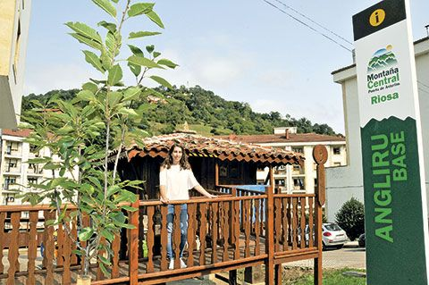 Alba Alonso, responsable del Punto de Información de Turismo de Riosa