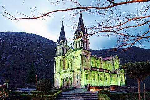 Basílica de Covadonga (Cangas de Onís)