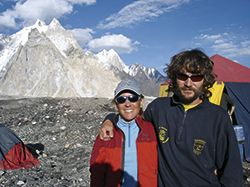 En  Concordia (Pakistán) con Joëlle, su mujer