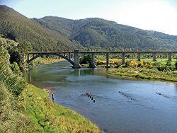 Río Nalón a su paso por Pravia