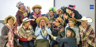Miembros de la asociación Entre Muyeres en carnaval