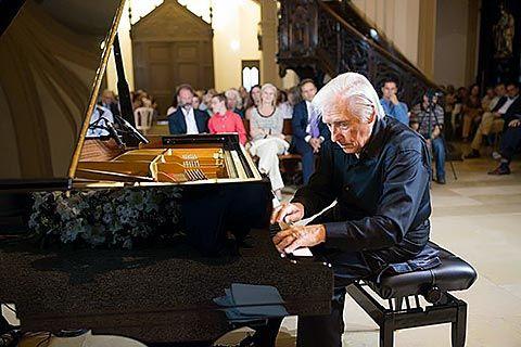 El músico Joaquín Achúcarro en la pasada edición del Festival que se celebra en Navia
