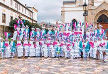 Atuendo de la Charanga A Marea de Tapia en el carnaval de 2018