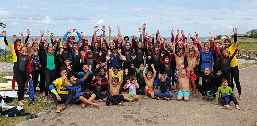 Miembros de la Escuela de Surf Picante