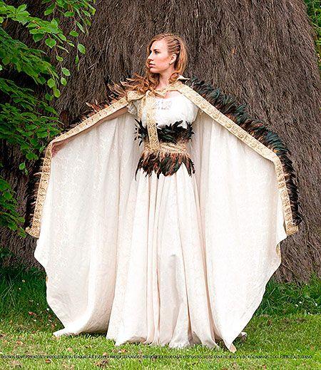 Diseño de Reme Espantoso, diseñadora de moda medieval de Foz