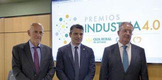 De izquierda a derecha: Pablo Priesca (Director Gral de CTIC), Juan Carlos Campo (Director de la EPI) y Antonio Romero (Sub. Gral. Caja Rural Asturias)