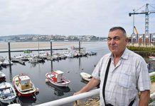 Fernando García en el puerto de Figueras (Castropol)