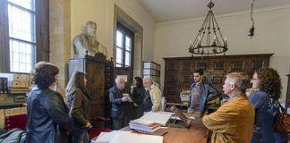 Vestigia en el Archivo de la Catedral de Oviedo