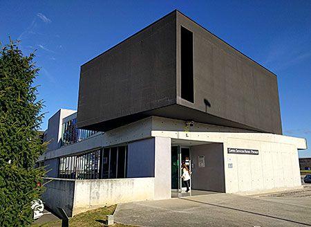 Centro de Servicios y Naves en el área de Roces y Porceyo