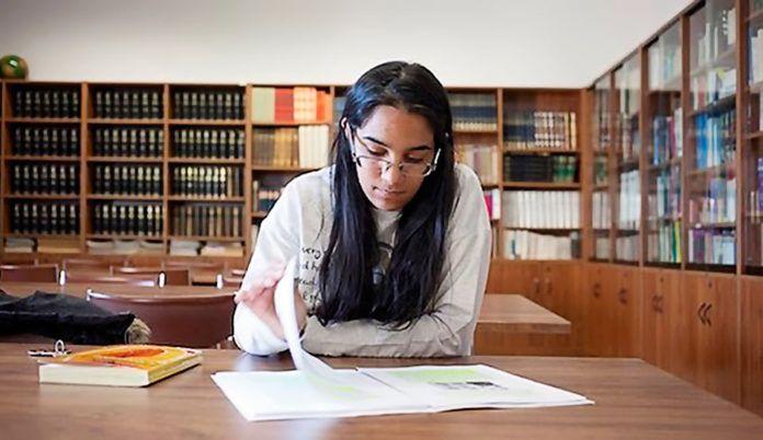 Carmen Félix, Profesora en la Fundación Secretariado Gitano