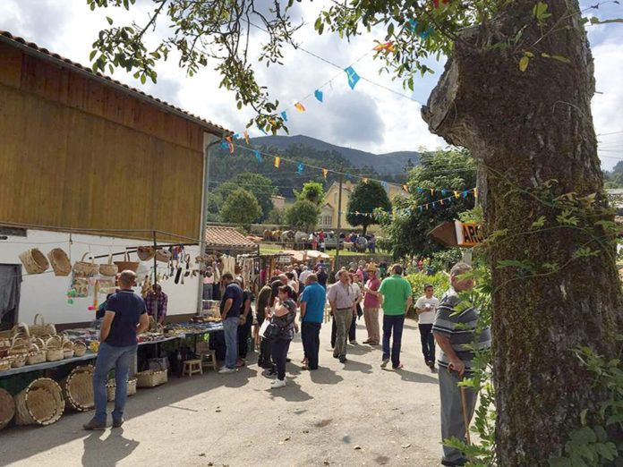 Mercadillo Tradicional en las fiestas de La Ponte (Pravia)