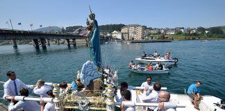 Procesión de la Virgen de la Barca (Navia)