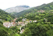 Vista de Riosa desde Cantu El Otero (Mutriellos)