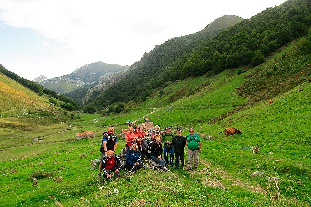 La Asociación de Senderismo Terras de Lourenzá en La Ventaniella, Ponga