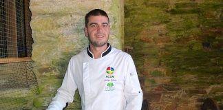 Jorge Vilelo dirige y cocina en O Forno de Tovar (Lourenzá, Lugo)