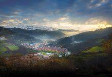 Vista de San Martín del Rey Aurelio