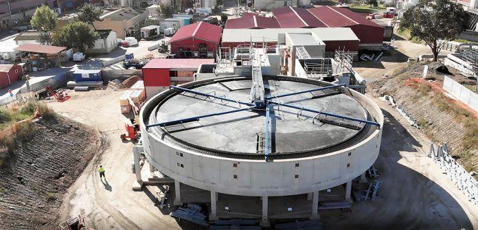 Nuevo sistema de tratamiento de aguas instalado en la biofábrica de Ence en Navia