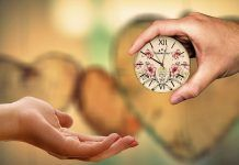 regalar tiempo con los demás