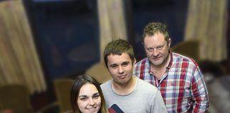 Gil Blanco (izda.), Alba Fuentes, Javier Fdez. y Rober de la Asociación Juvenil de Festejos Monsacro
